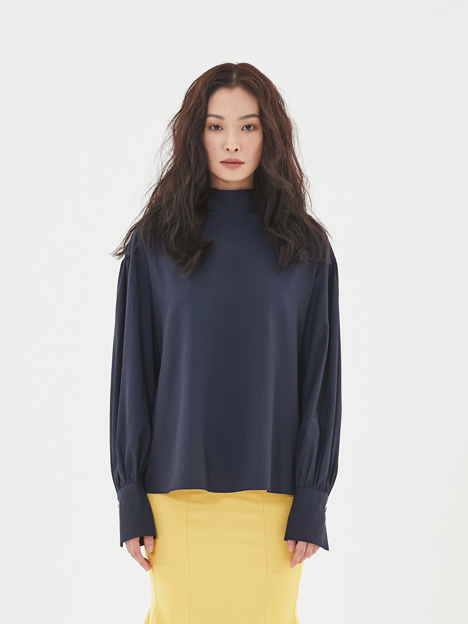 Shirring 2-way Blouse in Navy