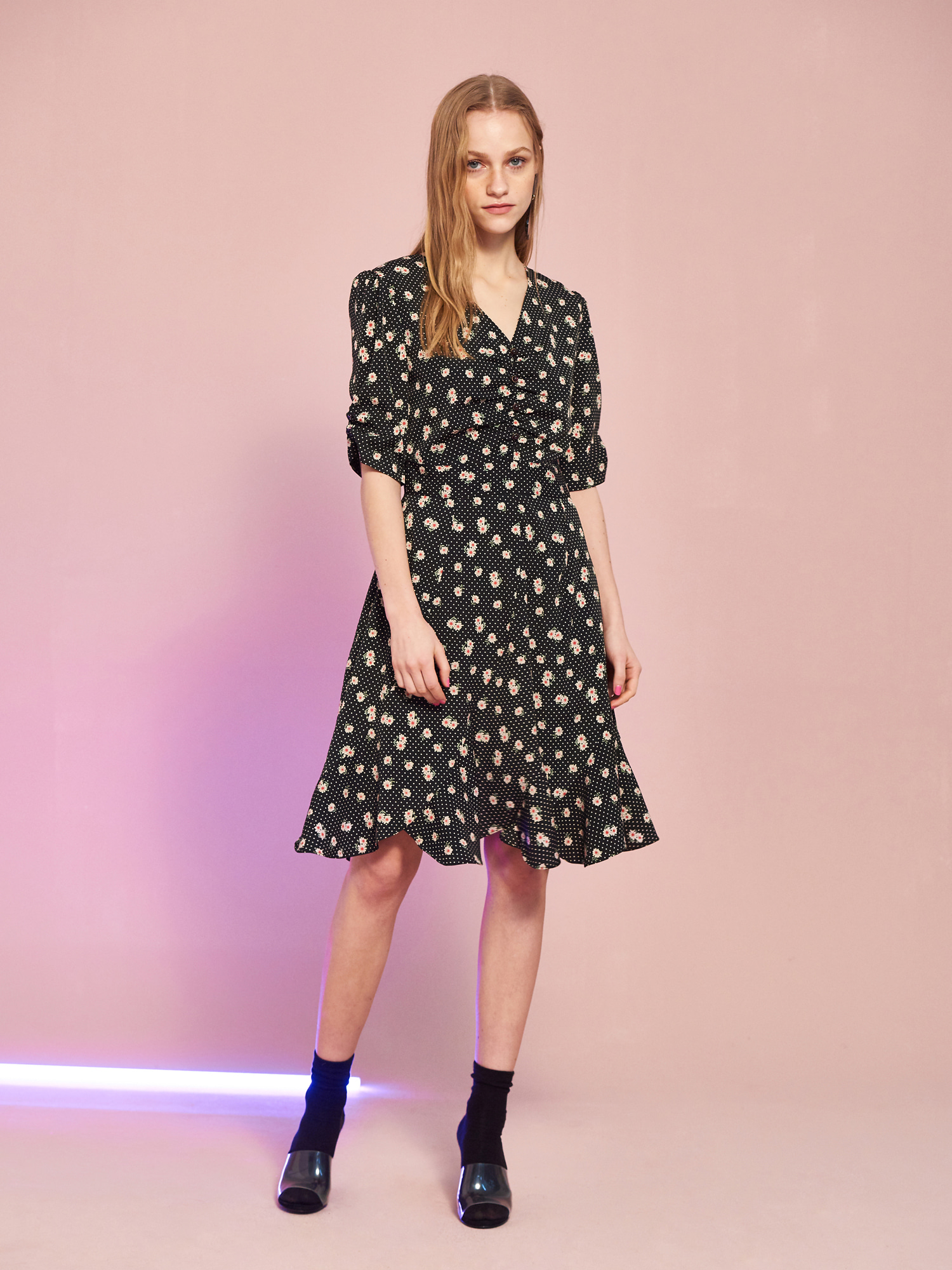 Floral Leaf Shirring Dress in Black