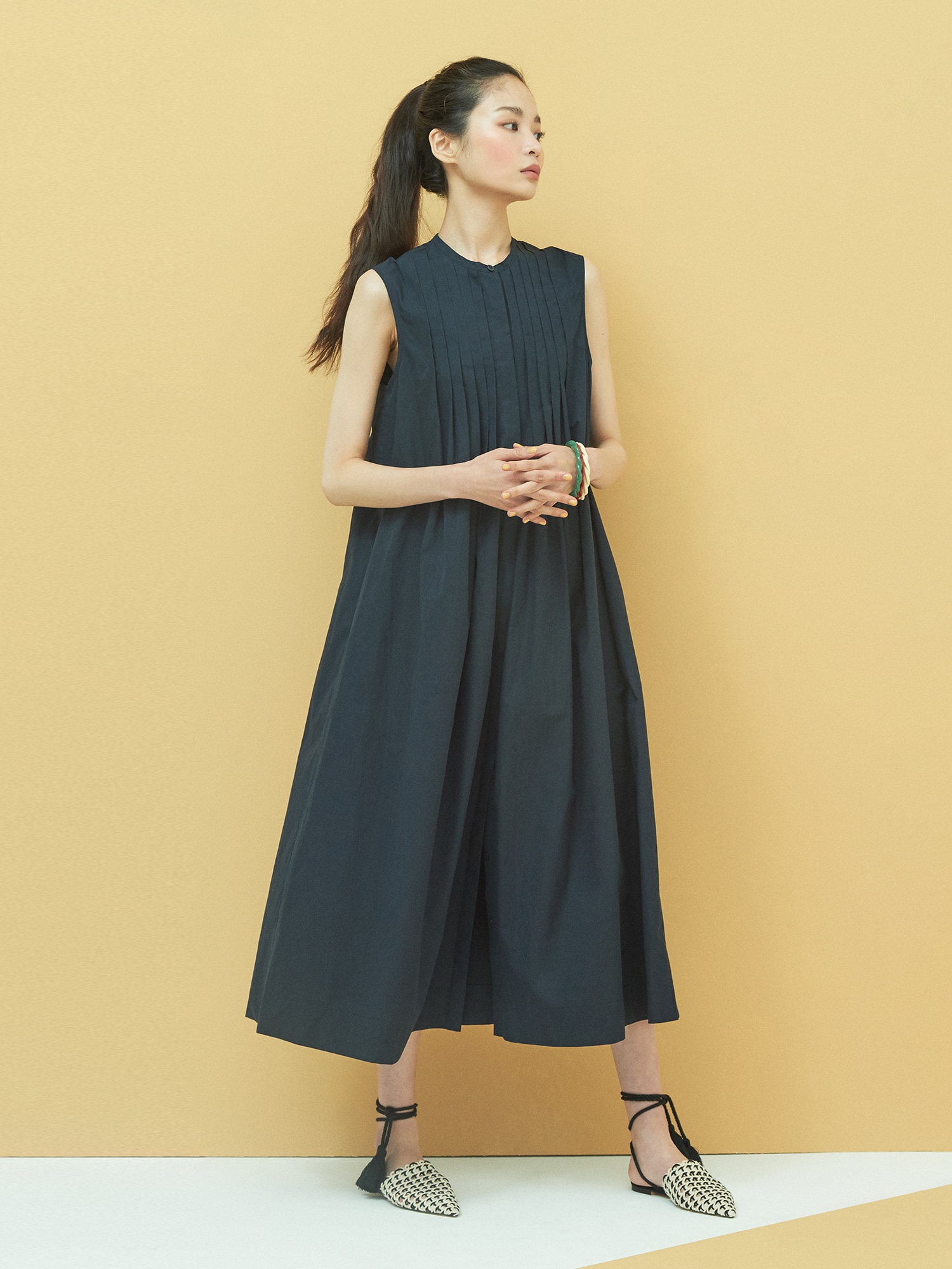 [6/3 예약배송] Cotton Pintuck Maxi Dress in Navy