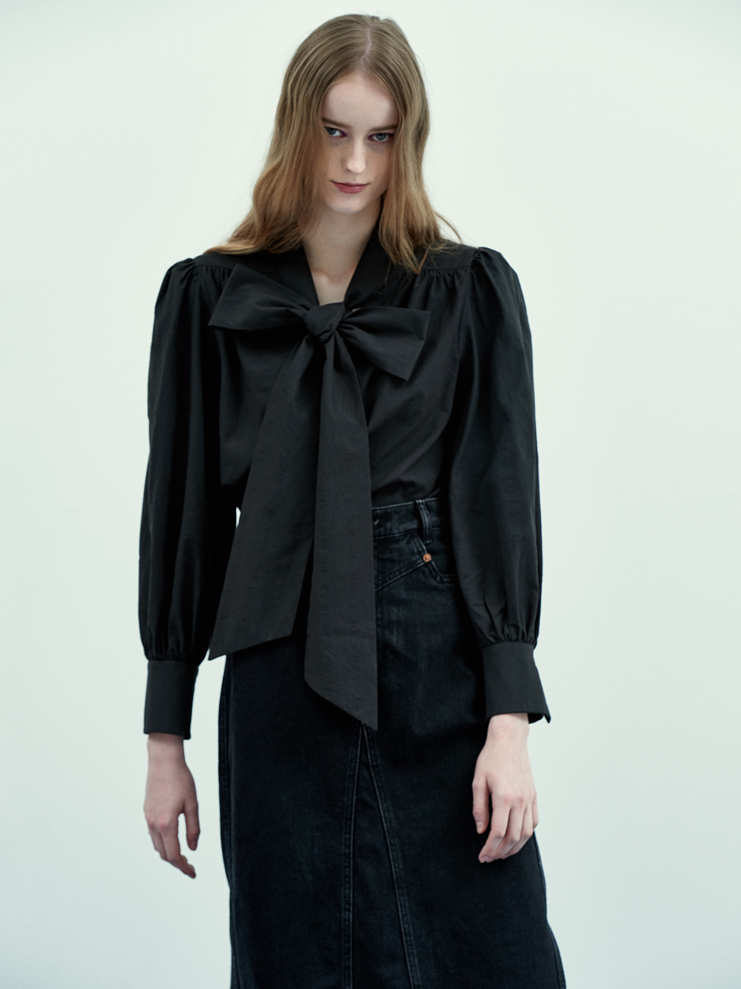 [Season Off Sale 40%Off]Ribbon Tie Blouse in Black
