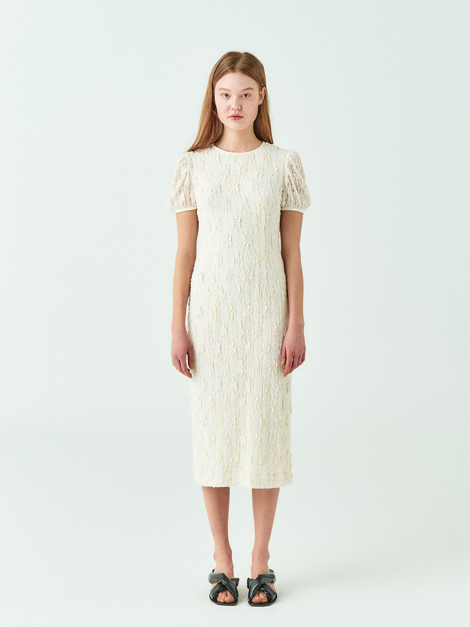 Lace Puff Line Dress in Cream