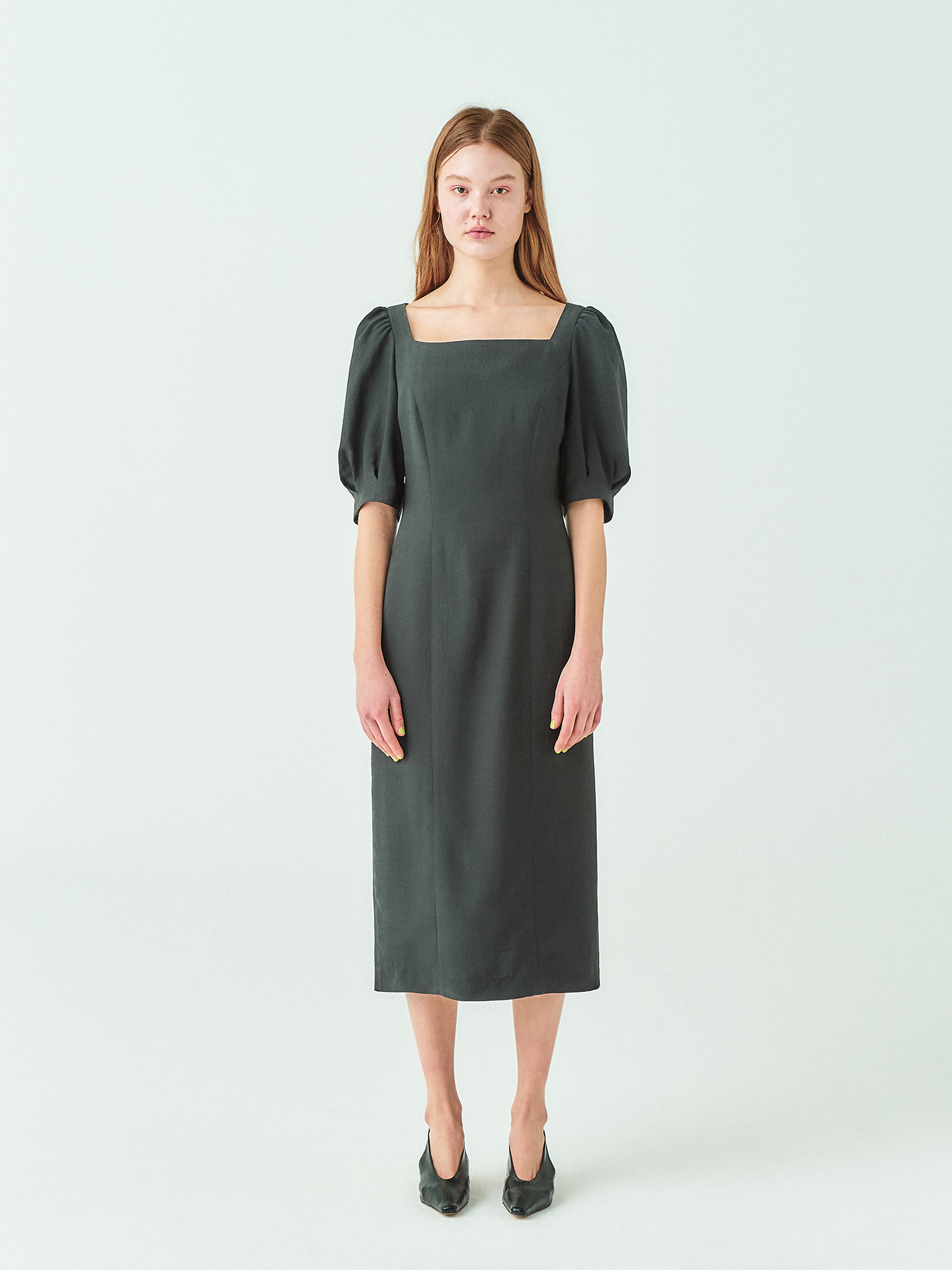 [시즌오프30%SALE] Square Neck Line Dress in Black